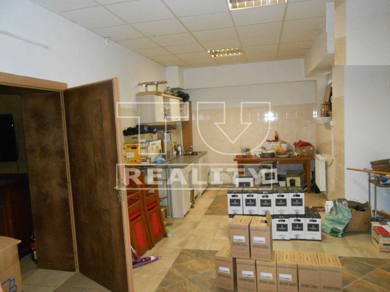 Polyfunkčný objekt-Predaj-Senec-135000.00 €