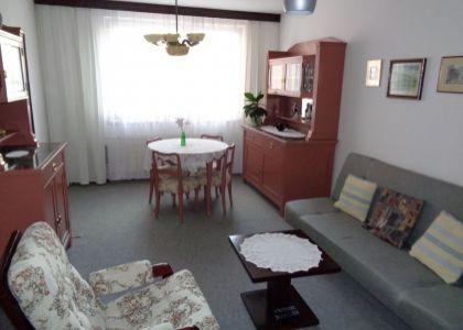 DOMUM - veľkometrážny 90m2 4i byt Nové Mesto n/V, ul. Zelená, 2 jadrá, lodžia, pivnica