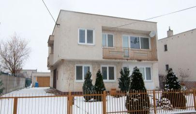 APEX reality na PRENÁJOM ponúka 4 izbovú bytovú jednotku v rodinnom dom v Trakoviciach