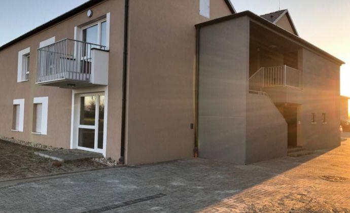 3 - izbová novostavba v Rajke, s pivnicou a parkovacím miestom