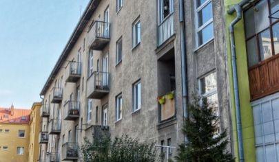PREDANÉ: 3-izbový tehlový byt s vynikajúcou polohou na Záhradníckej
