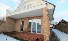 ASTER PREDAJ: priestranný 4-izb byt s vlastnou záhradkou a súkromným vstupom v centre Slovenského Grobu