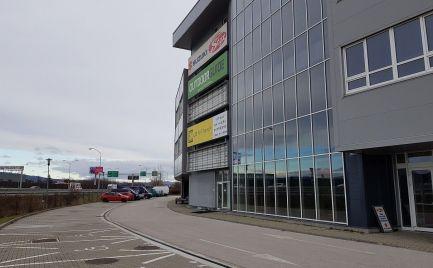 Obchodný priestor na prenájom, 480 m2