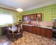REZERVOVANE_P.Úľany-Poros(GA): Predaj č.rekonštr. 2izb bytu 87m2_prízemie tehlová 4-bytovka