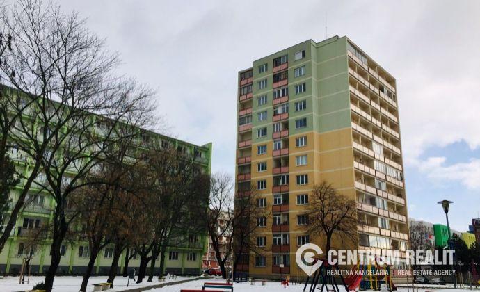 Iba u nás: 1 izbový byt so spacím kútom v zateplenom dome pri Poluse, Čs. parašutistov