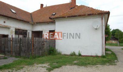 REALFINN   PODHÁJSKA / 6 km / -  Rodinný dom na predaj s pozemkom 1850 m2 - dvojgeneračné bývanie