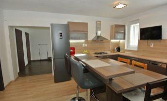 Predaj- novostavba, dvojgeneračný rodinný dom (ÚP:398 m2) s veľkým pozemkom (966 m2), Šamorín- časť Mliečno