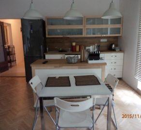 StarBrokers – Prenájom 3-izbového slnečného bytu  s predzáhradkou a garážou v Starom Meste