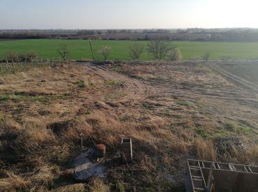Stavebný  pozemok - záhrada