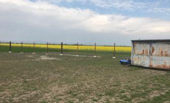 Stavebný pozemok 0,88 ha na pozemkový development (GP na 13 parciel) obec Réca