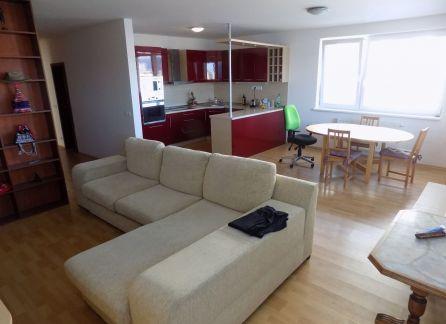StarBrokers - PREDAJ veľký 3-i byt v novostavbe Rustica (150 m2), v Dúbravke, s veľkou terasou s výhľadom na Kamzík, logia + 2 garážové státia