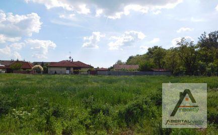 Rezervované - Predaj stavebného pozemku v Chorvátskom Grobe