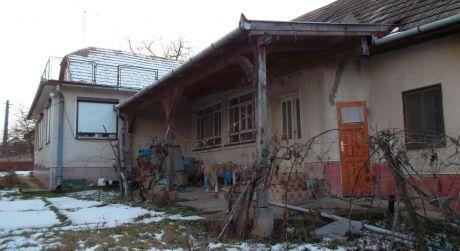 Veľký 4-izbový dom v Brutoch