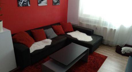 PREDAJ  krásne prerobený 3 - izbový byt s balkónom v Želiezovciach. ODPORÚČAM.