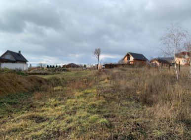 MAXFIN REAL - ponúka na predaj rozparcelovaný rozľahlý pozemok v Nitrianskych Hrnčiarovciach