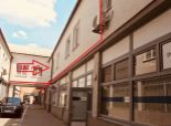 --PBS-- ++REPREZENTATÍVNE priestory s vlastným garážovým parkingom v centre mesta (možnosť zriadiť aj sídlo firmi)- HLAVNÁ 31++