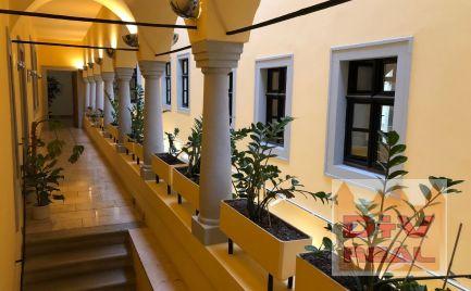Prenájom: kancelárie, Michalská ulica, 20-3300m2, rôzne celky, pešia zóna, historické cetrum
