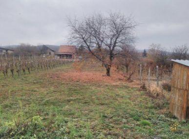 MAXFIN REAL na predaj pozemok v Štitároch 1100m2