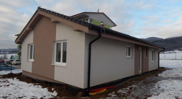 Na predaj novostavba- 4- izbový bungalov, 624 m2, Poruba, okres Prievidza