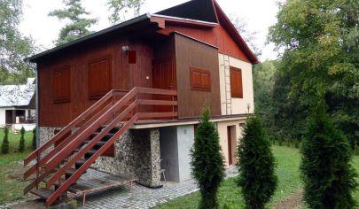 PRAŠICE, zariadená murovaná chata, 593m2, okr. Topoľčany