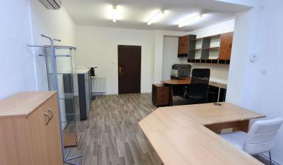 Exkluzívne APEX reality prenájom kancelárie 25 m2 na ul. Pri cintoríne, klíma