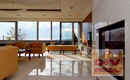 Predaj: 4 izbový mezonet, Vincenta Hložníka, záhrada, parkovanie pre 3 autá, veľkometrážny, nádherný výhľad na Dunaj