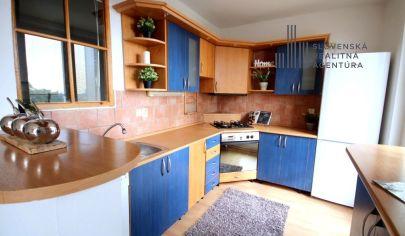PREDANÉ: EXKLUZÍVNE na predaj 2,5 izbový byt, 4./5 poschodie, výťah, balkón, loggia, Sibírska ul., Bratislava
