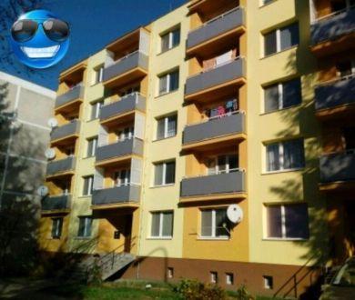 Ponúkame na predaj veľký, slnečný 1 izbový byt vo vyhľadávanej lokalite v Novej Dubnici.