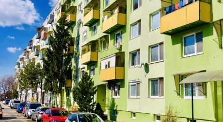 Exkluzívne iba u Nás !!! - Na predaj pekný 2 izbový byt v Leviciach.