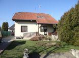 Tureň, okr. Senec – NA PREDAJ samostatný, podpivničený 5 izb. rodinný dom vo výbornej lokalite obce