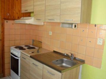 4-i byt, 73 m2 – čiastočná REKONŠTRUKCIA výborná DISPOZÍCIA, REZERVOVANÝ
