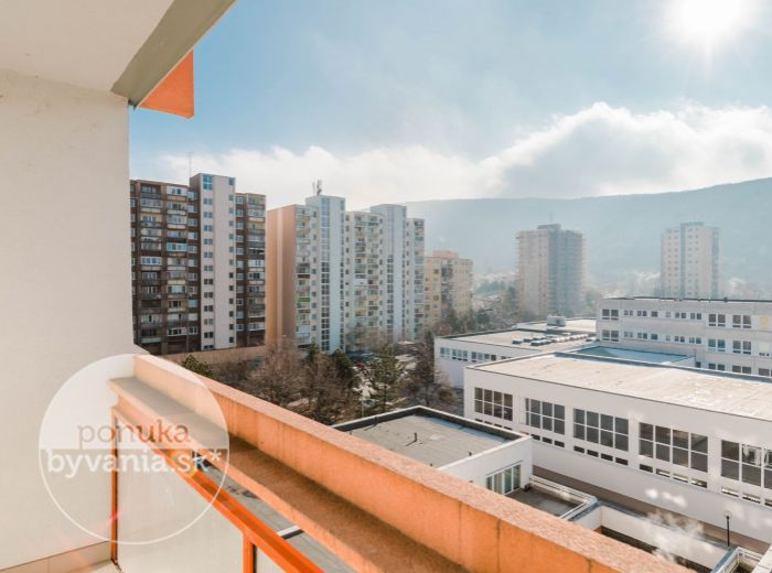 PREDANÉ - PAVLA HOROVA, 1-i byt, 45 m2 - bezproblémové parkovanie, LOGGIA, príroda