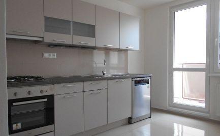 Top ponuka - Tehlový  4 izbový byt, 90 m2, a balkón,  B. Bystrica – centrum - cena 150 000€