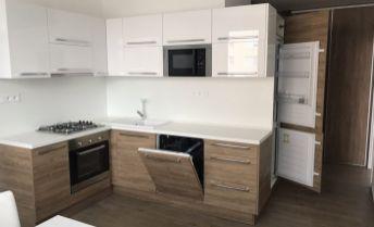 Luxusný 3 izbový byt pri centre - bez investícií