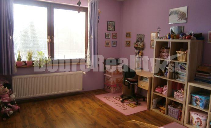 Predám rodinný dom na pozemku 15.44 ára v obci Lužianky pri Nitre