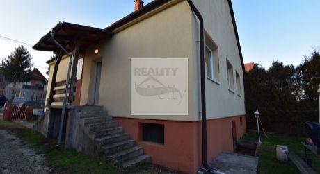4 - 6 izbový rodinný dom 90 m2 obytná plocha, 584 m2 pozemok - Rajka