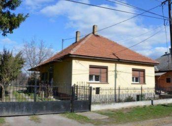 Predáme tehlový rodinný dom - Maďarsko - Forró - ihneď sa dá nasťahovať