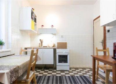 Ponúkame na predaj 4 izbový byt na Račianskej ulici. Byt sa predáva s garážou, a  záhradou o rozlohe 336 m2,