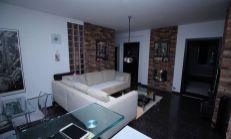 PREDAJ - priestranný byt v lokalite Pod Sokolicami po kompletnej rekonštrukcií