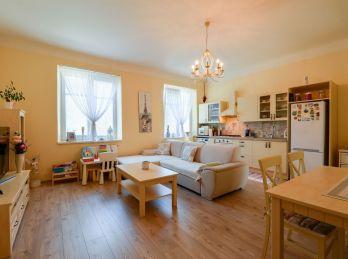 *Rezervovaný * Veľkometrážny 4,5 izbový byt v centre mesta