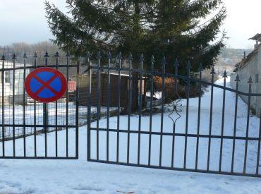 Predaj pozemku s rozostavaným domom v Ratnovciach