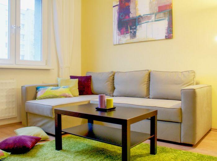 PRENAJATÉ - DROBNÉHO, 1-i byt , 29 m2 - KOMPLETNE ZARIADENÝ byt v ZATEPLENOM DOME, slnečný a s PEKNÝM VÝHĽADOM