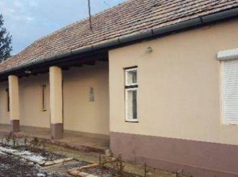 Predáme rodinný dom - chatu - Maďarsko - Forró - postavený z tehál