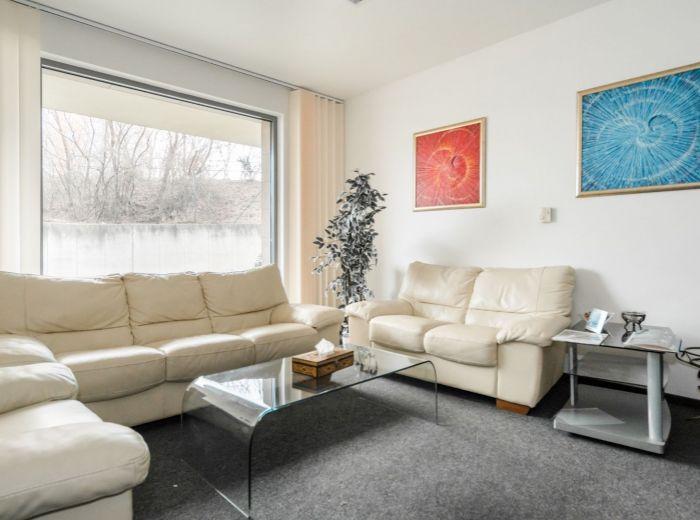 STARÉ GRUNTY, 4-i byt, 116 m2 – novostavba 2010, PRIVÁTNY VCHOD, vlastný kotol, UZAVRETÝ AREÁL