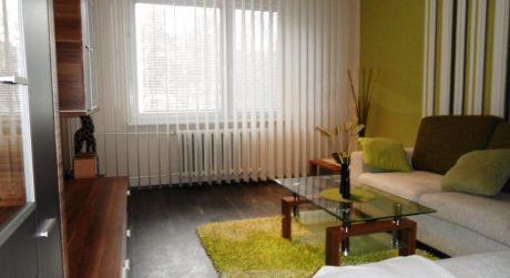 Na predaj 2 izbový byt upravený na 3 izbový, 64 m2, Dubnica n/V, Centrum I
