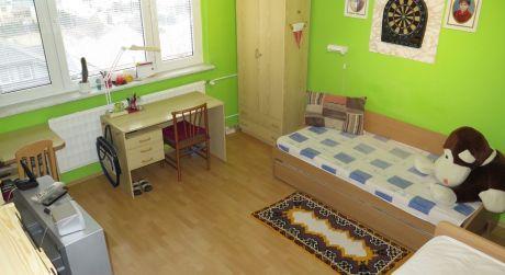 Na predaj  pekný 3-izb  byt v meste Šurany ul.MDŽ.ODPORÚČAM!