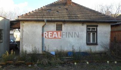 REALFINN  Na predaj  rodinný dom s garážou Nové Zámky