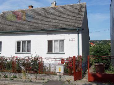 Predáme starší rodinný dom 3+1 Piešťany, Floreát