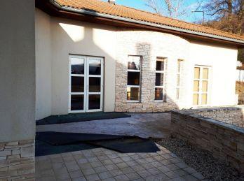 TREBEĽOVCE 4-i dom,231 m2, na pozemku 1362 m2,  priamo v SRDCI prírody...