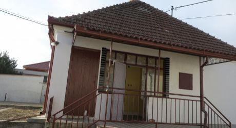 Rodinný dom na predaj v obci Kolárovo.
